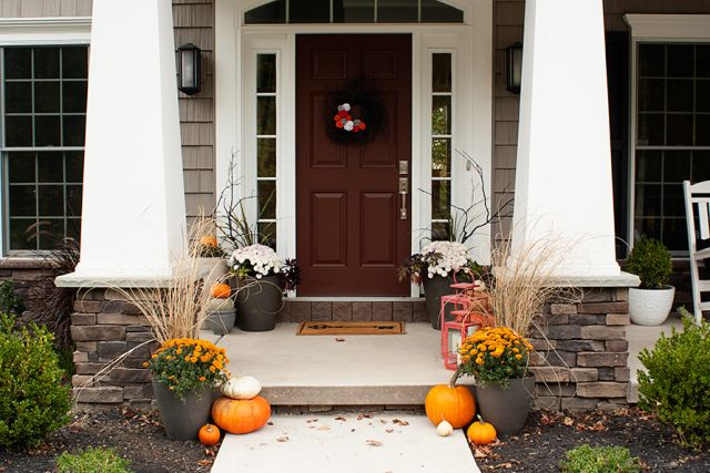 halloween-front-porch from Circus Berry #halloweenporch