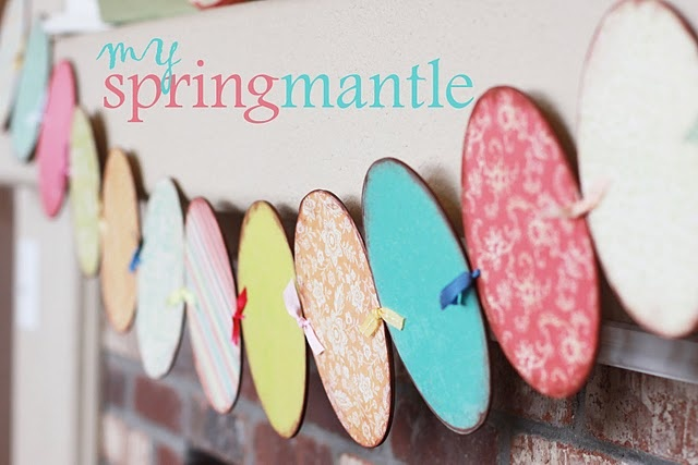 Easter Egg paper garland.  I love Easter decorating!! It's such a great way to welcome Spring!!: Eggs Garlands, Spring Mantles, Easter Spr, Spring Mantels, Easter Mantles, Easter Eggs, Crafts Spring, Paper Crafts, Mantles Ideas