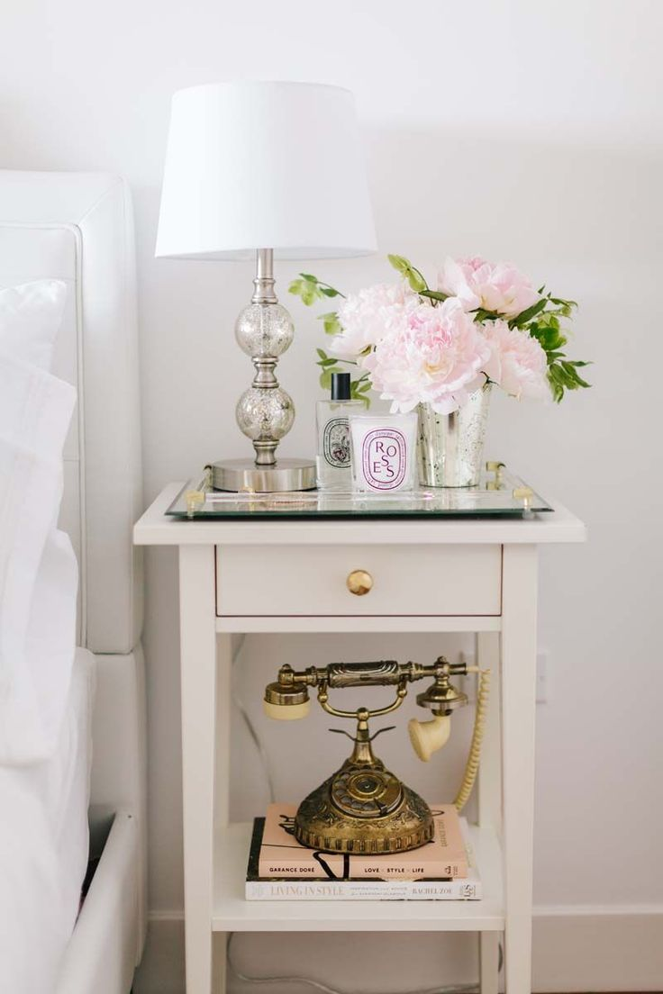 bedside table styling - This Tiny San Francisco Apartment Is Our Bachelorette Dream | The Everygirl