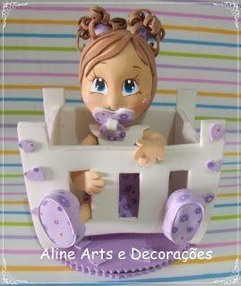 Aline Arts e Decorações: Fofucha bebê no berço