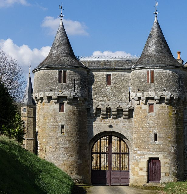 17 best images about castles on pinterest ever after for Chateau beaumont