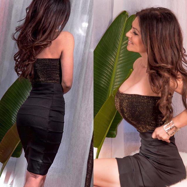 denisemilaniofficial:    It's a skirt kinda day!  Denise Milani