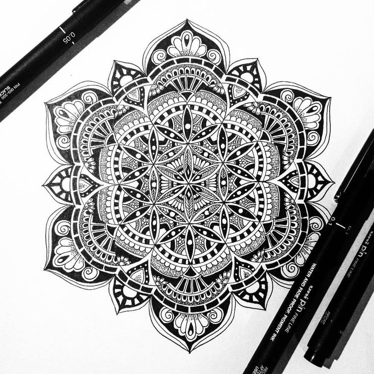 "1,521 Likes, 31 Comments - Heidi Teksle Amundsen (@tekslus) on Instagram: ""One of my 'flower of life' mandalas filled in with patterns and some black ♥  #creative #drawing…"""