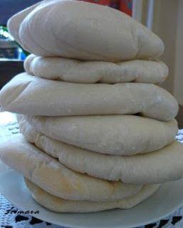 Pita tészta:      3 dl langyos víz     2 tk. só     2 ek. olívaolaj     50 dkg liszt (grahamliszt)     1 tk. cukor     3 dkg élesztő