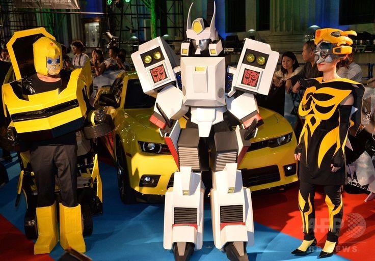 東京都内で開催された映画「トランスフォーマー」シリーズの最新作『トランスフォーマー・ロストエイジ(Transformers: Age of Extinction)』のジャパンプレミア会場に登場したロボットのコスプレ(2014年7月28日撮影)。(c)AFP/Yoshikazu TSUNO ▼29Jul2014AFP|「トランスフォーマー」最新作、ジャパンプレミアが東京で開催 http://www.afpbb.com/articles/-/3021748
