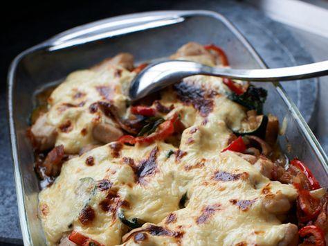 Gratinert kyllingform med squash og paprika