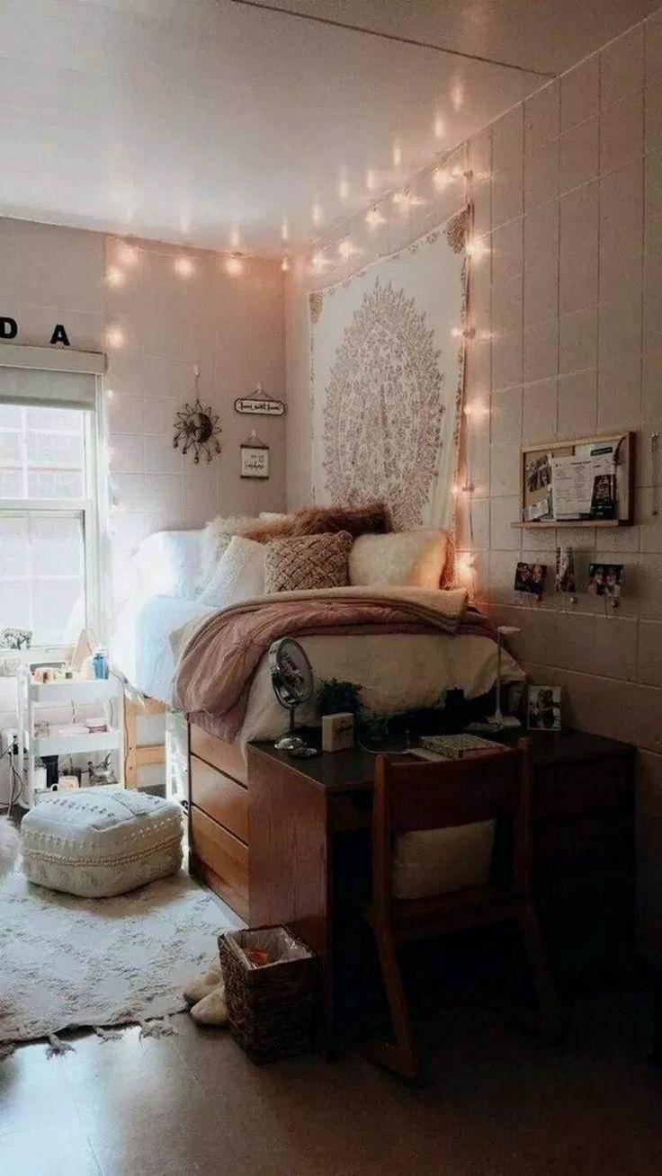 35+ Bohemian Minimalist mit Urban Outfiters Schlafzimmer Ideen #minimalistbedroom #b …