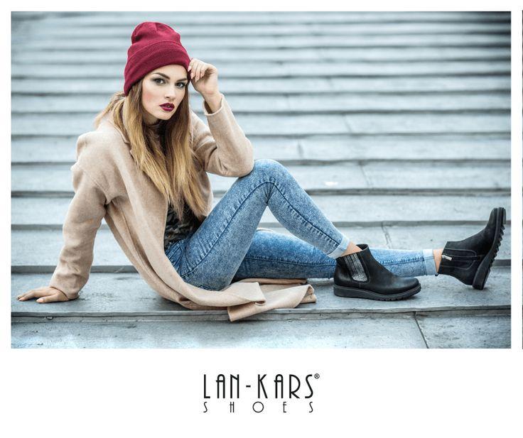 Czerń + srebro to połączenie idealne, zwłaszcza na butach!   #shoes #girl #industrial #black #silver #metalic #lankars #leather #boots #autumn #fall #beanie #gat #woman #makeup #model #photoshoot #jeans #outfit #casual