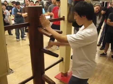 Wing Chun Kung Fu Wooden Dummy, Chi Sao - YouTube