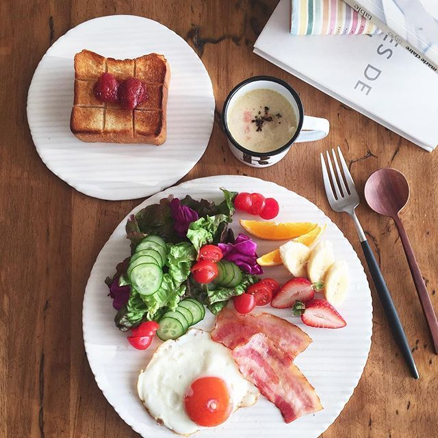 fffmasaco2016.3.15. Tue ジャムトースト 目玉焼き サラダ フルーツ のTHE 朝食 ・ #朝ごはん #息子ごはん #おうちごはん #おうちカフェ #ワンプレート #デリスタグラマー#breakfast #bread #toast #fruits #food #foodstagram #foodpic #foodphoto #foodphotography #foodporn #instafood #LIN_stagrammer #KAUMO #kurashiru #IGersjp