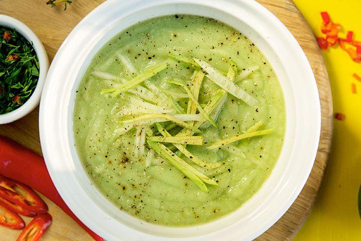 Холодный детокс-суп из авокадо с огурцом