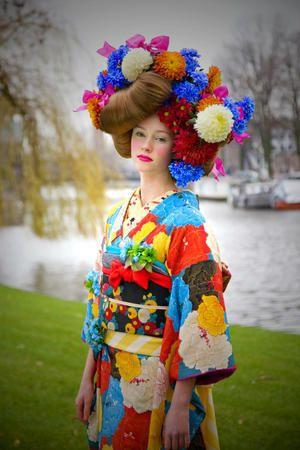 Bright flower kimono
