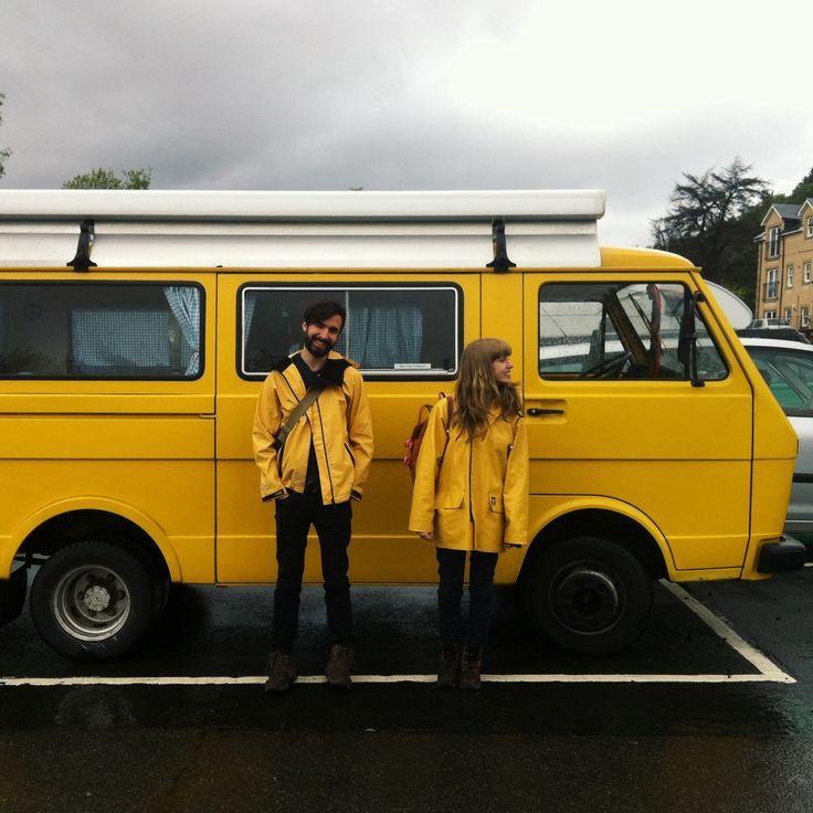 """Mon vieux""""camion"""" aurait besoin d'un coup de jaune et de jeune.Voilà une belle couleur"""