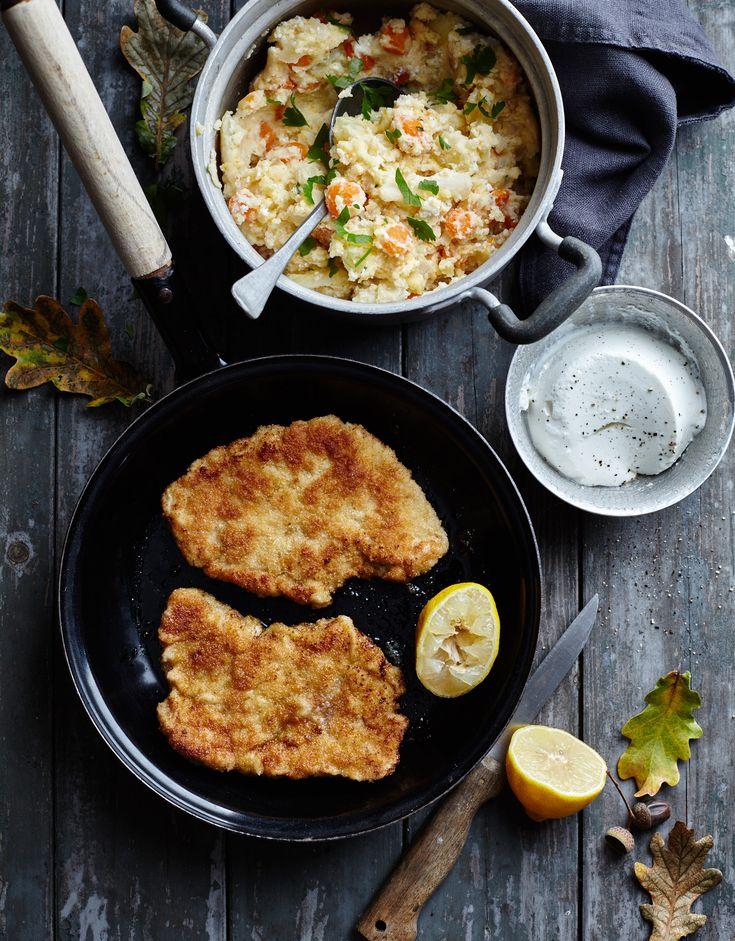 Een overheerlijke kalfsschnitzel met wortel-schorseneren stoemp en mosterdsaus, die maak je met dit recept. Smakelijk!