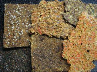 Gitta nyersétel blogja: Nyers kenyerek, krékerek