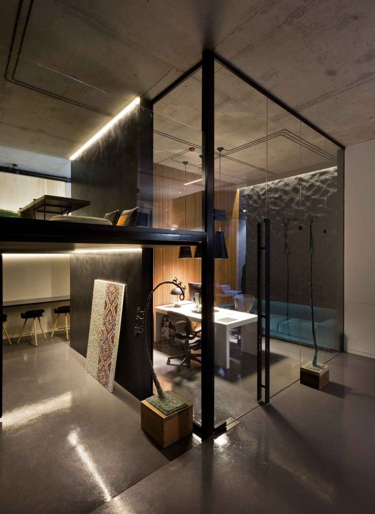 Sergey Makhno Office And Showroom Illya Tovstonog