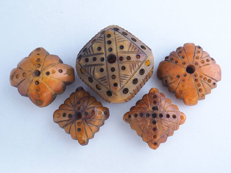 5 Antique carved phenolic resin beads. Amber imitation. African Trade. Mauritania by faqrun on Etsy