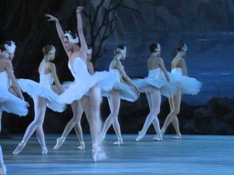 Swan Lake with The Kirov Ballet [Full-Length Ballet Video] with Yulia Makhalina and Igor Zelensky  http://classicalballetnews.com/swan-lake-with-the-kirov-ballet/