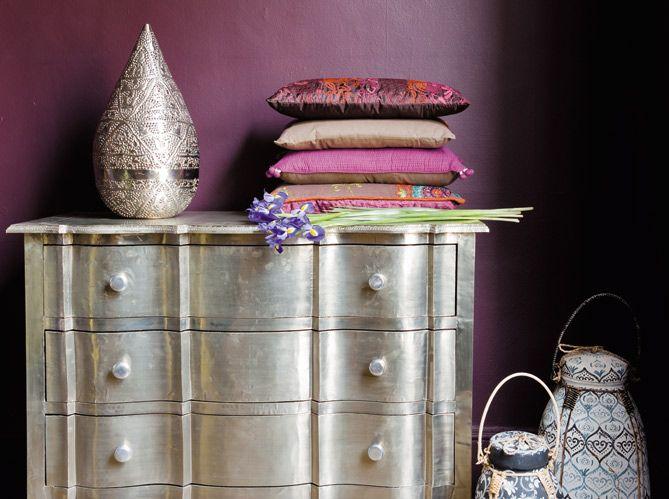 La décoration orientale, ça peut être aussi moderne, design, pas cher ! Découvrez toutes les tendances en matière de déco de salon oriental, salon marocain à travers les 50 sélections de la rédaction de ELLE Maison.