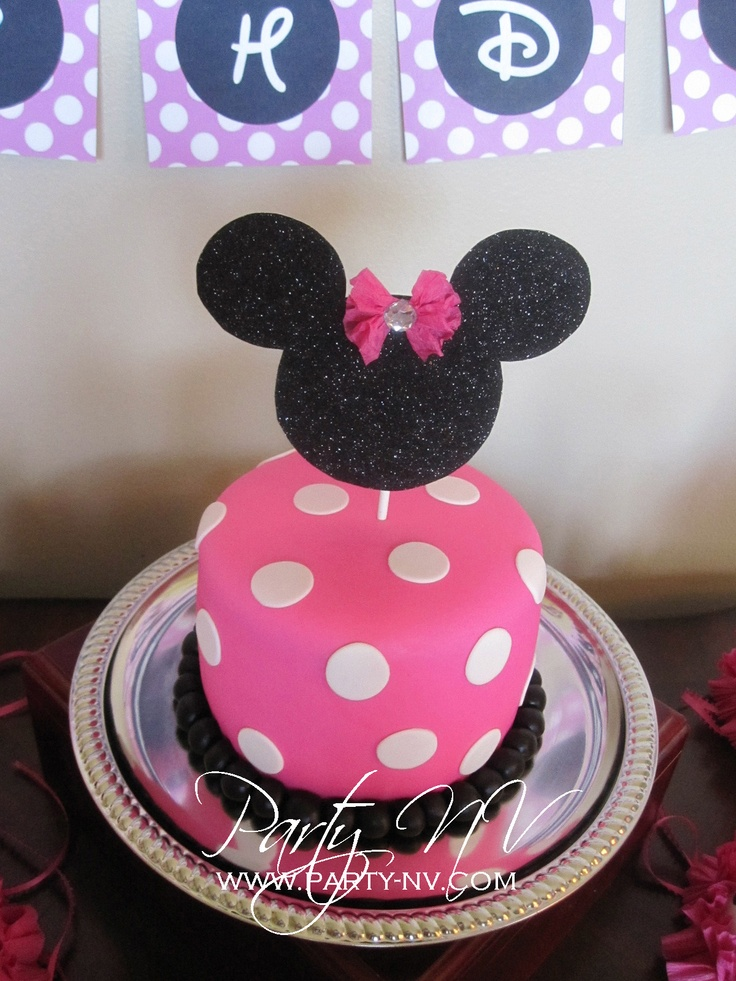 Simple Minnie cake