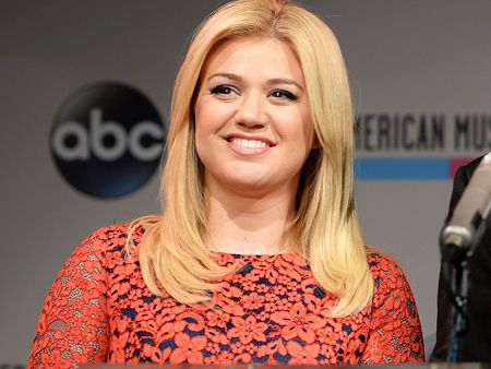 Kelly Clarkson's New Album Piece By Piece Will Be Released in March | Kelly Clarkson