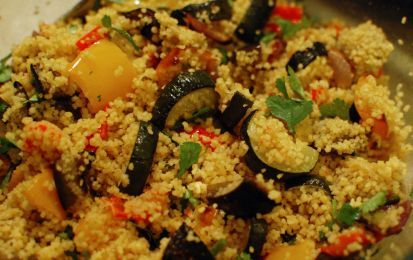 Insalata di cous cous - Anche con il cous cous si possono preparare delle insalate fredde, come facciamo con la pasta.