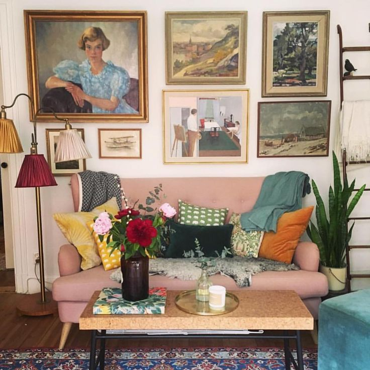 Pink sofa and colorful eclectic decor 109