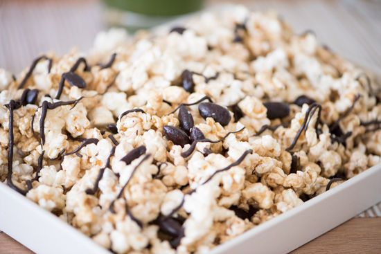 Is it the weekend yet? This movie night snack is EVERYTHING #snack #yum