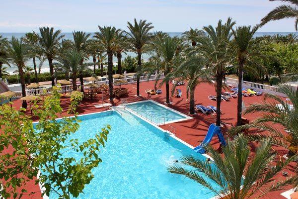 Playa tropicana. Vertrek op zaterdag. 4km stadje af. Simpel zwembad, animatie in arena.  Mooi aangelegde camping.