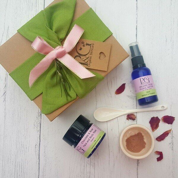 Christmas Gift Combo – Chocolate & Rose Face Mask Ritual 30g + Rose Water 30ml + Handmade Porcelain Bowl & Porcelain Spoon inludes complimentary gift wrapping. #organicskincare #naturalskincare #organicbeauty #naturalbeauty #handmade #lookafteryourskin #chocolate #rose #facemasks #gift #giftwrap #treatyourskin #treatyourself #loveyourskin #beauty #indulgence #indulge #luxury #luxuryskincare #Christmas #christmaspresents #christmasshopping #treatsomeone #onlineshopping #christmasgifts