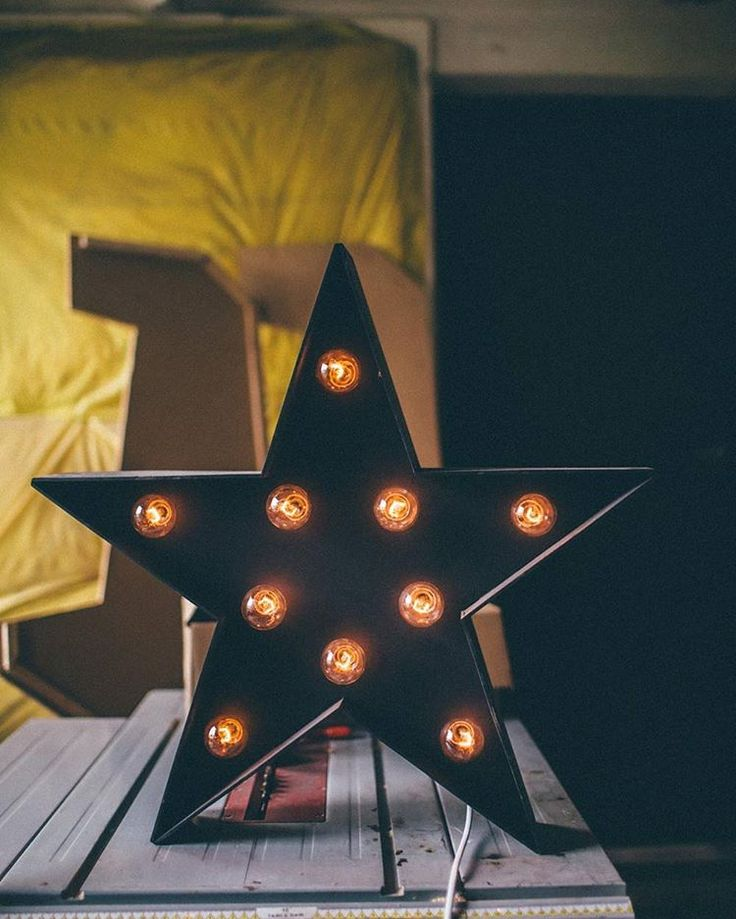 marquee light star by Hernstag