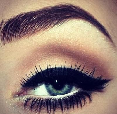 Pretty cat eye and a nice eyeshadow look.