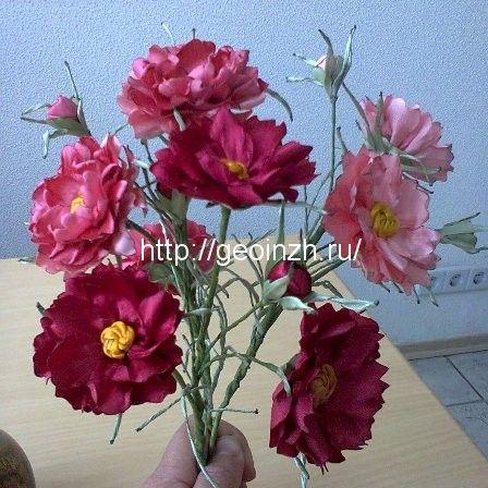 цветы космеи из атласных лент