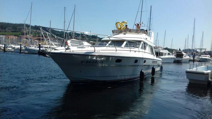Nuestra Princess 55- TERRA NAI IV-  Saliendo hoy sábado por la mañana para disfrutar de una navegación a motor. ¿Sabes que significa eso? Día de sol, mar, islas, chapuzones desde la popa del barco, comer a bordo o en un restaurante al lado de la costa...... Es un buen plan. ¿A qué estás esperando? www.servinauta.com www.globalyachtingibiza.com www.nauticavaraderoibiza.com #Charter  #Embárcate #Náuticaderecreo #seascape #MarcaEspana #alquilerbarcospontevedra #alquilerbarcossanxenxo #Sanxenxo…