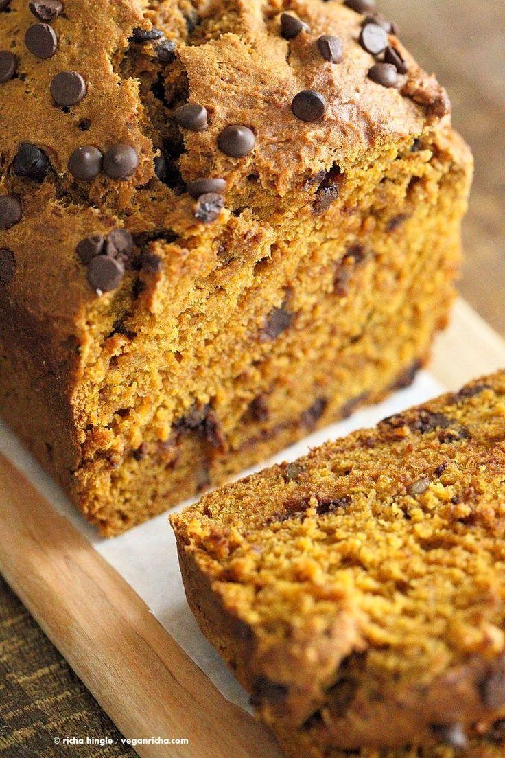 1 Bowl Vegan Pumpkin Bread Recipe. Easy Pumpkin loaf with pumpkin puree, pumpkin pie spice, walnuts and chocolate chips. Use pumpkin seeds, currants for variation | http://VeganRicha.com #vegan #breakfast #pumpkinbread