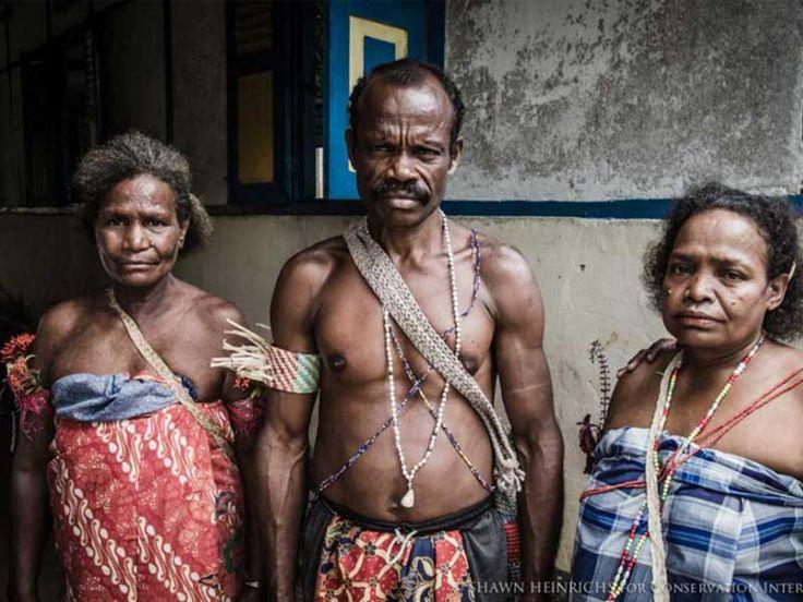 Raja Ampat Island Local People. Raja Ampat Diving. #SRI #RajaAmpat #R4Liveaboard #RajaAmpatBungalows More: http://www.scuba-republic.com/location/raja-ampat/
