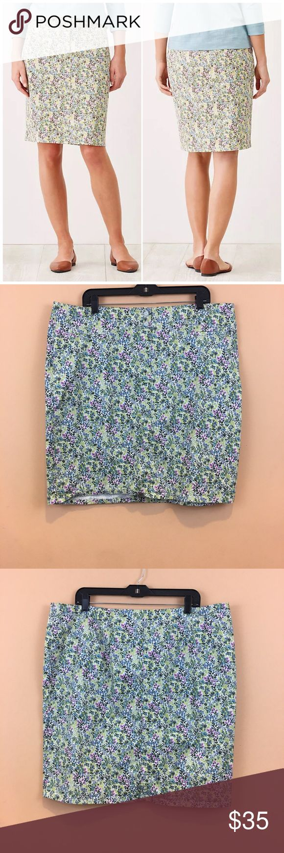 """J.Jill The Live in Chino Pencil Skirt The ultrasoft chino fabric you love, in a straight floral skirt with a touch of stretch. Fly front with double-button closure. Flat topstitched waist. Front pockets. Darts at the back waist. Back vent.  Waist laying flat 20.5""""  Length 22.5""""  97% cotton; 3% spandex J. Jill Skirts Pencil"""