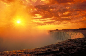 #Ontario might not be the first spot to come to mind for your #destinationweding or #honeymoon, but #NiagraFalls has been long known as one of the most romantic places in the world!