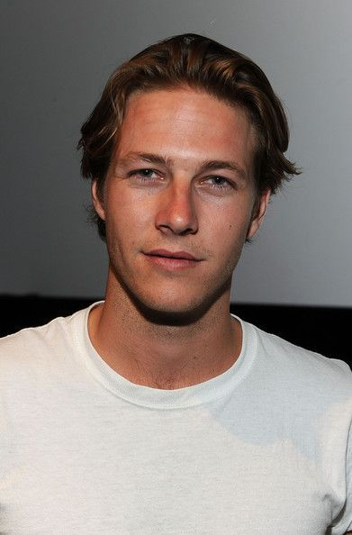 Luke Bracey - ugh please marry me