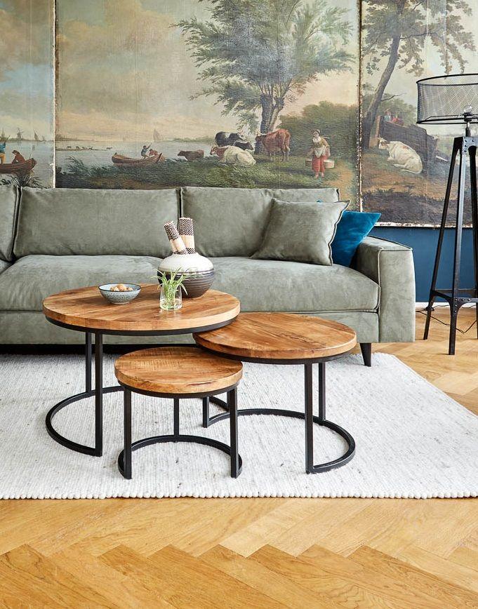 Met salontafels van prachtig mangohout en zwart metaal creëer je een warme maar stoere look in je interieur. Speel met verschillende opstellingen!