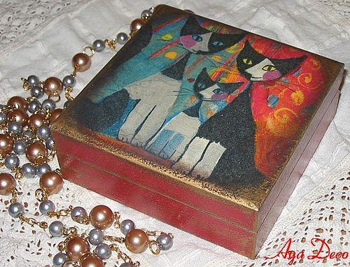 Decoupage Box - Rosina's cats   Flickr - Photo Sharing!