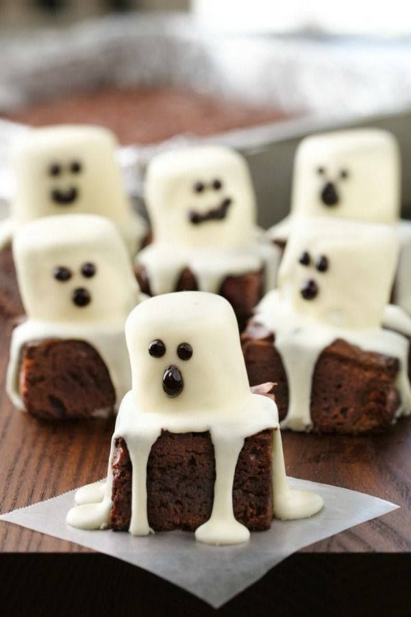 Cute brownie marshmellow ghosts