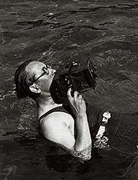 Фотограф Максим Яковчук: 18 мая 1896 года родился талантливый венгерский фотограф Мартин Мункачи (Martin Munkacsi) http://yakovchuk.blogspot.com/2014/05/martin-munkacsi.html