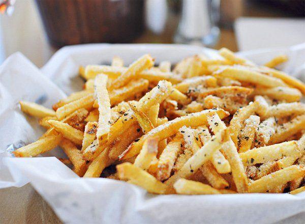 冷凍フライドポテトをおいしく食べたい!揚げない方法やアレンジも♪