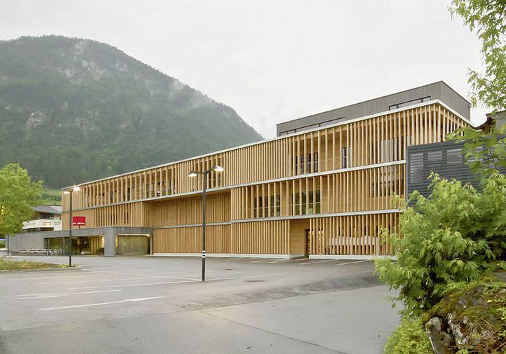 Der Umbau des Firmengebäudes von Holzbau Meiberger, Lofer, geplant von LP Architektur aus Altenmarkt im Pongau, bewegte die Jury zur Vergabe des zweiten Platzes. © Volker Wortmeyer
