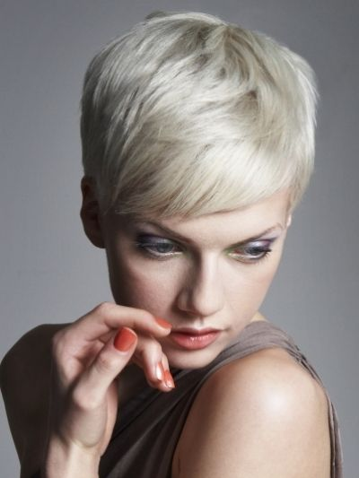 Risultato della ricerca immagini di Google per http://maxiequipos.com.mx/galerias/estufas/very-short-hairstyles-for-women-2012-743.jpg