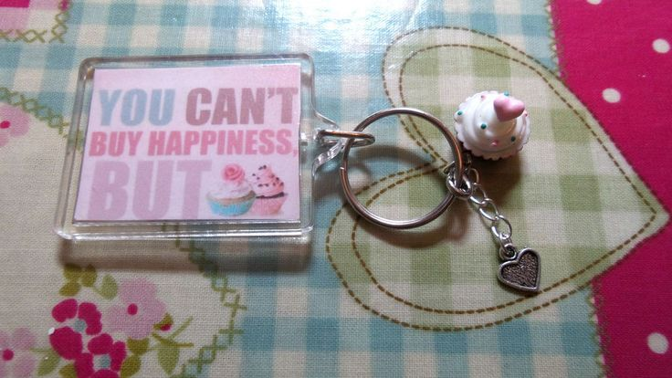 handmade FUNNY QUOTE/FOOD LOVER/SWEET TOOTH/CUPCAKES KEYRING * friend/bday gift