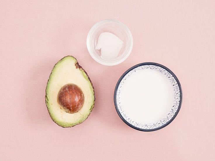 DIY-Anleitung: Haarkur mit Avocado und Kokosnuss für trockenes Haar selber machen via DaWanda.com