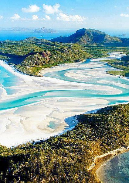 Whitehaven Beach, Queensland, Australia.   Whitehaven Beach is known for its powder-fine sand. The sand consists of 98% pure silica which gives it a bright white color #dulzamara