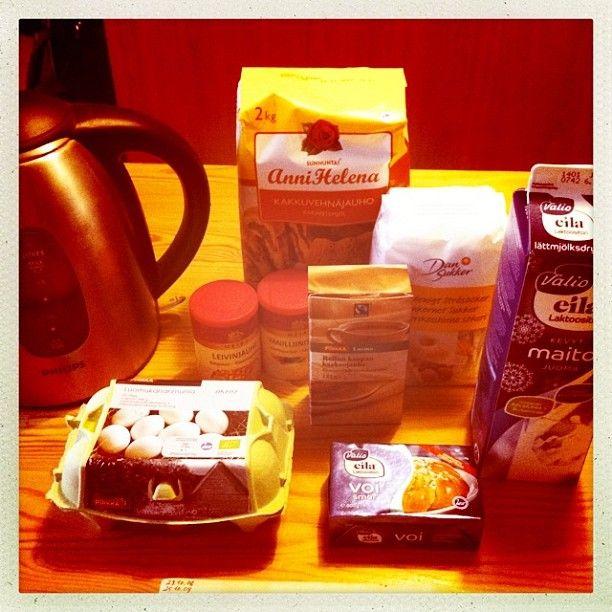 1. resepti nopea suklaakakku, yhteisleivonta Twitterissä 19.1.2013 klo 14 alkaen - tässä kakun aineksia